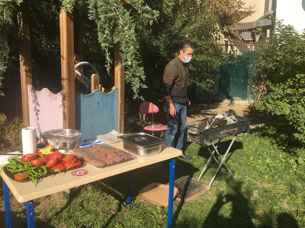 Bahçemizde Barbekü Partisi